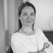 Sophie ABIVEN• Directrice du pôle des Professions Réglementées